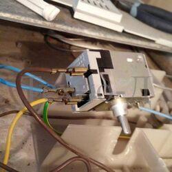 Замена терморегулятора (термостата) холодильника б/у